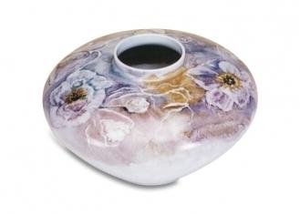 Porcellana-vaso-tecnica-scavo