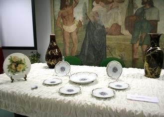 coposizione-piatti-porcellana